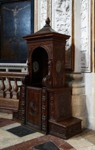 Chiesa_dell'Inviolata_-_Riva_del_Garda_-_Confessional_box