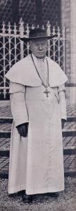 Pius_X_Vatican_Gardens_1913_Portrait