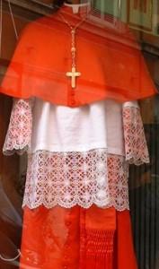 Vetements_cardinal_Gamarelli